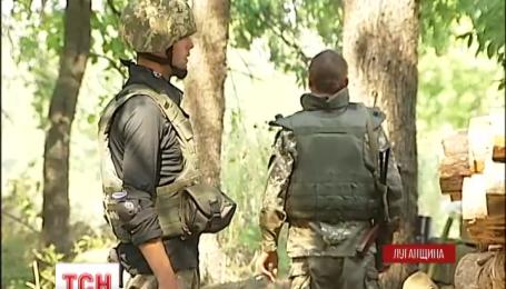 На Луганщине в некоторые дома снаряды попадают уже по несколько раз