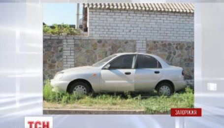 У Запоріжжі невідомий обстріляв авто «Деу Ланос» і важко поранив водія