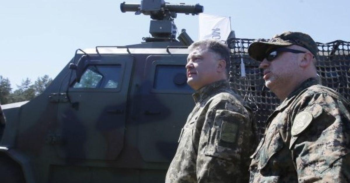 Порошенко подписал тайный указ о военно-техническом сотрудничестве с отдельными государствами