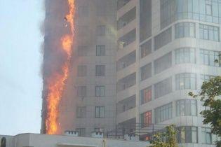 В одеській Аркадії нищівний вогонь охопив багатоповерхівку