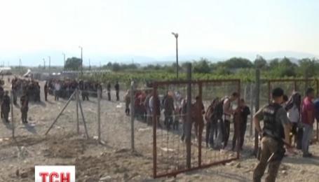 Во Франции бастующие моряки заблокировали вход в порт Кале