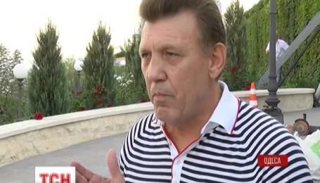 Приморский райсуд Одессы избрал меру пресечения трактористу, который вчера сносил ворота
