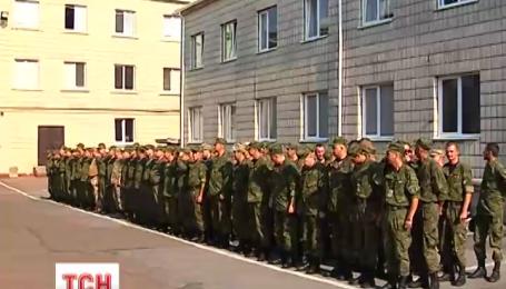 В Житомир с востока вернулось 100 бойцов сводного милицейского отряда