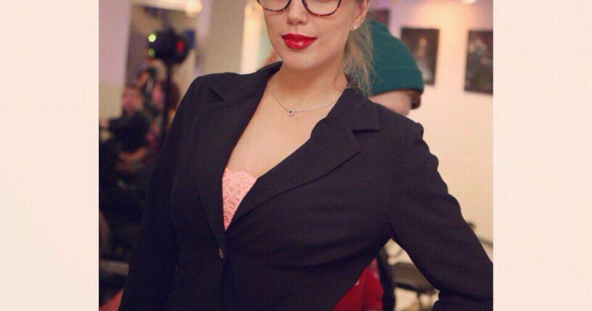 Пенчева брала участь у конкурсах краси @ facebook.com/anna.pencheva.5