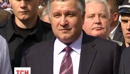 Житель Львова подал в суд на Авакова за выступление на русском языке