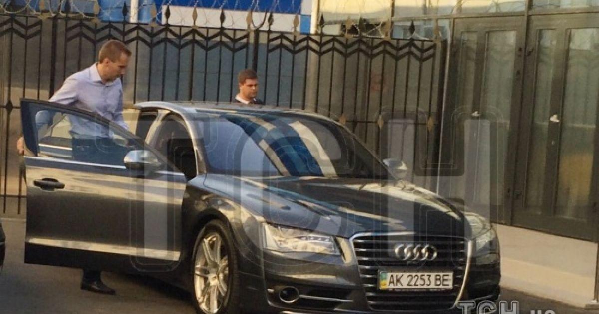 Саша Янукович прилетел в Украину. В его семье – раздор из-за наследства. Эксклюзив ТСН