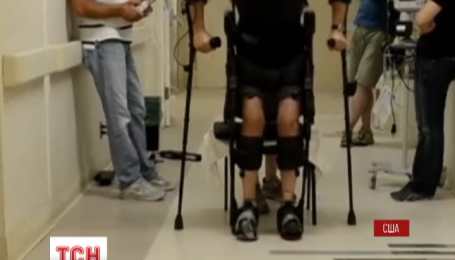 Вчені з університету Каліфорнії представили костюм робота для паралізованих пацієнтів