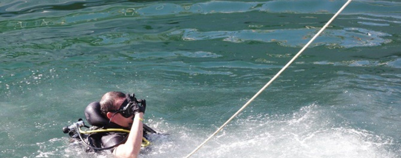 У Києві рятувальники знайшли на дні річки тіло людини із прив'язаним до шиї тягарем