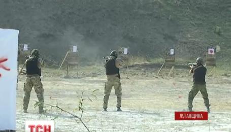 Правоохранителей на Луганщине активно обучают боевого мастерства по натовским стандартам