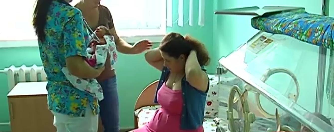 У Рівному 18-річна породілля народила трійню