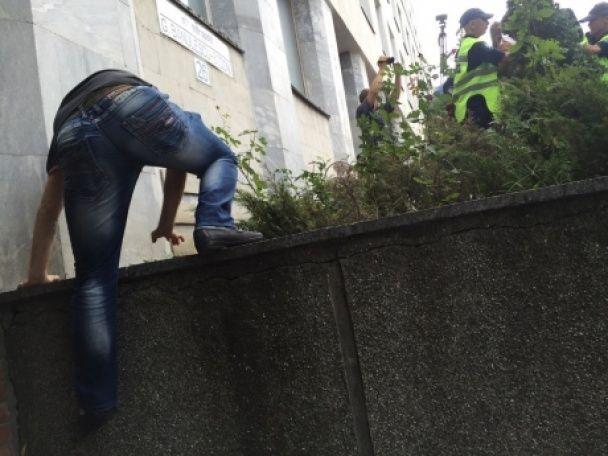 Під стінами Генпрокуратури у Кишеневі сталися сутички між мітингарями та поліцією