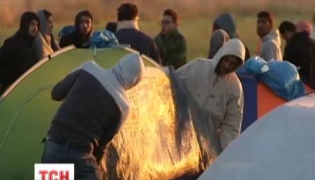 На греческом острове Лесбос второй день проходят столкновения между мигрантами и полицией
