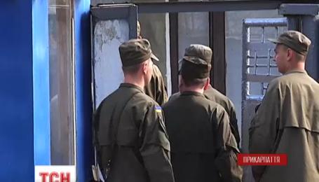 Жизнь четырех нацгвардейцев, пострадавших на Лисецком полигоне, в безопасности