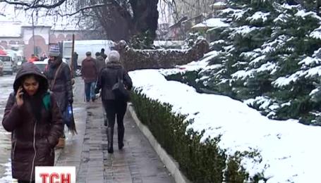На українців чекає тепла осінь та тепла і сніжна зима