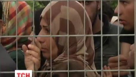 На Лесбосе мигранты пытались штурмовать корабль