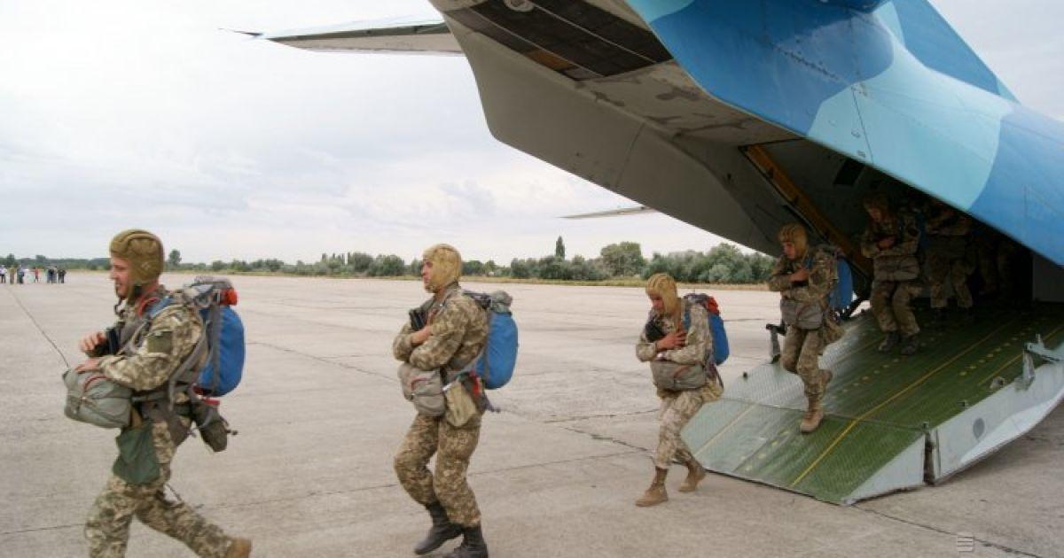 Военнослужащие во время учений по десантированию в рамках многонациональных военных учений Sea Breeze 2015 в Николаевской области @ УНИАН