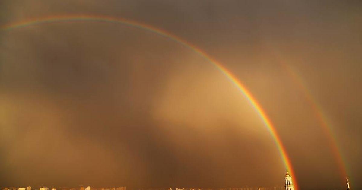 Двойная радуга над Киевом после вечернего дождя @ Громадське ТБ