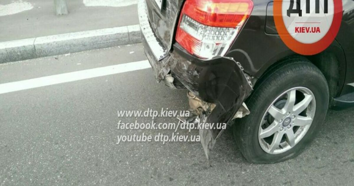 Постраждалу забрали на таксі @ dtp.kiev.ua