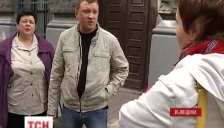 У Львові колишнє подружжя не може поділити неповнолітнього сина