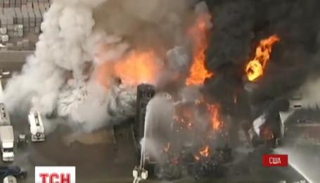 В американском штате Аризона загорелся склад с химикатами