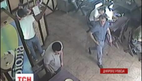 У Дніпропетровську побили заступника директора СТО