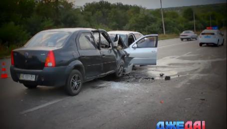 В Запорожье в результате лобового столкновения погибли два водителя