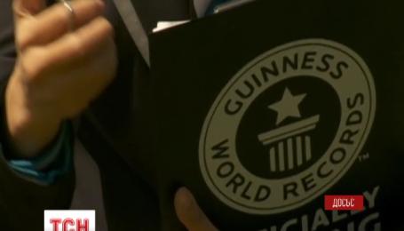"""У Великій Британії стартували продажі """"Книги рекордів Гіннеса – 2016"""""""