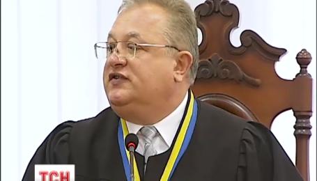 Речі адвоката Олексія Пукача, викрадені з його машини, знайшли на цвинтарі