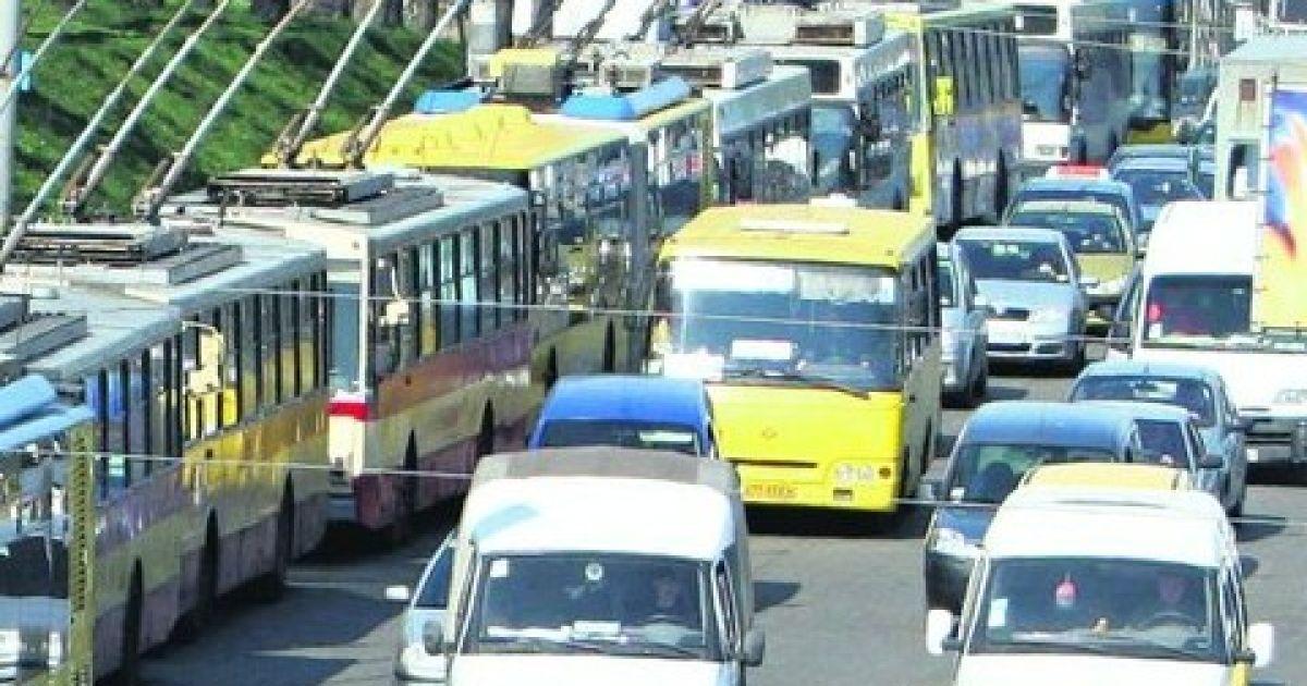 В центре Киева ограничат движение транспорта из-за спорта