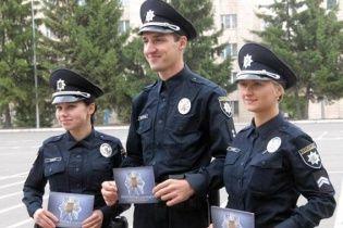 """Які """"американські"""" обновки отримали київські поліцейські. Інфографіка"""