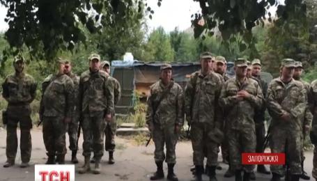 Четыре сотни бойцов 55 артиллерийской запорожской бригады получили ордена и медали