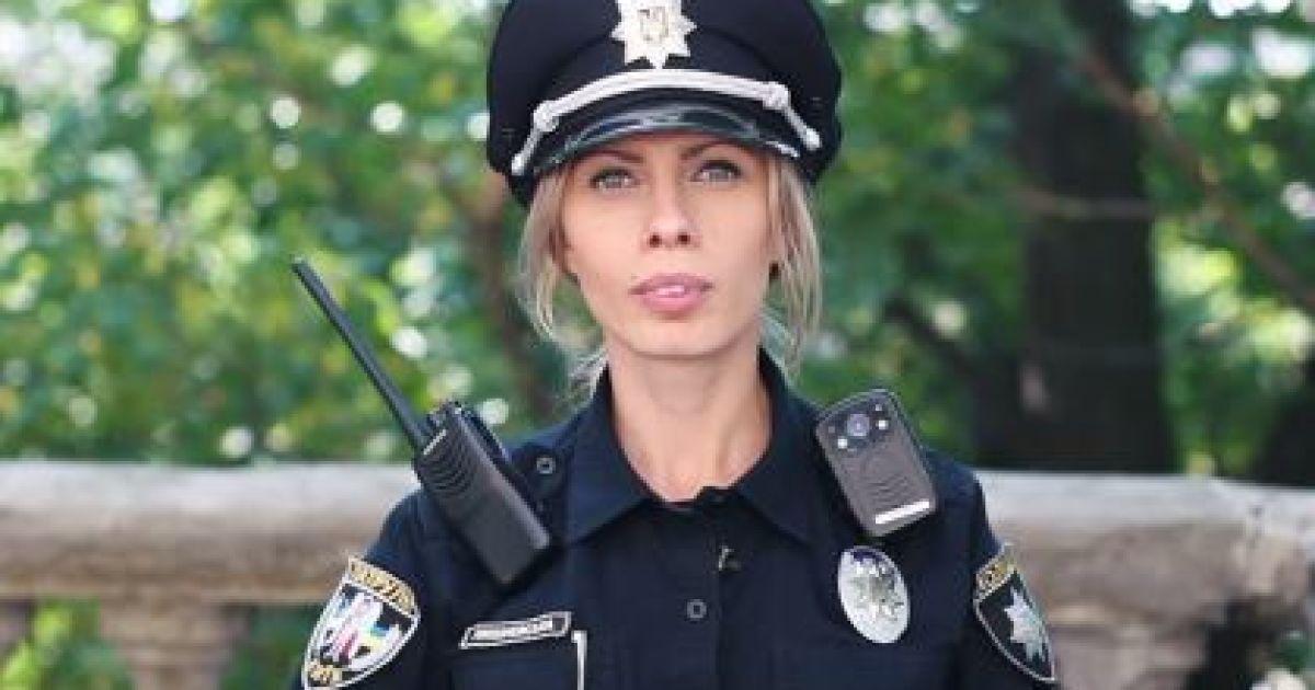 Сила слова. Полицейские перед камерой декламировали известный стих Франко