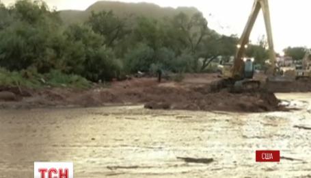 В США обнародовали ошеломляющие кадры наводнения на западе страны