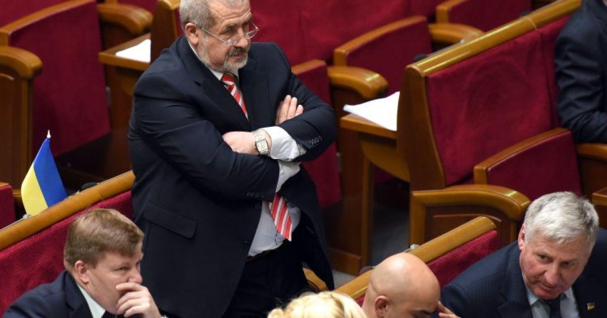 Чубаров назвал точное время блокировки границы Крыма татарами