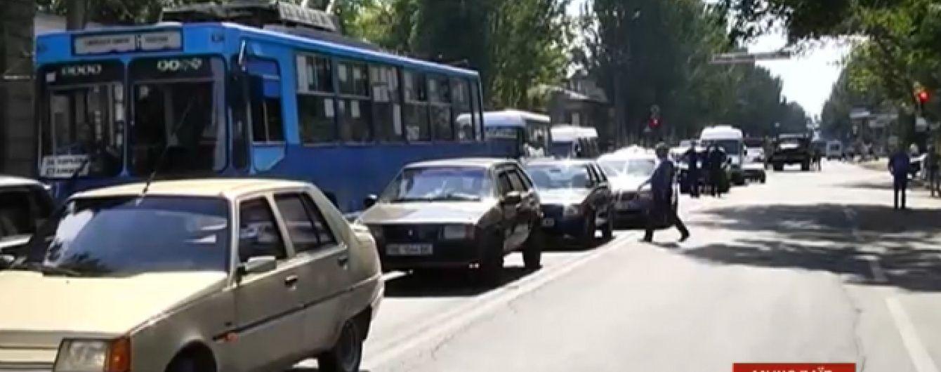Николаев сковали пробки на суше и воде из-за заасфальтированного разводного моста