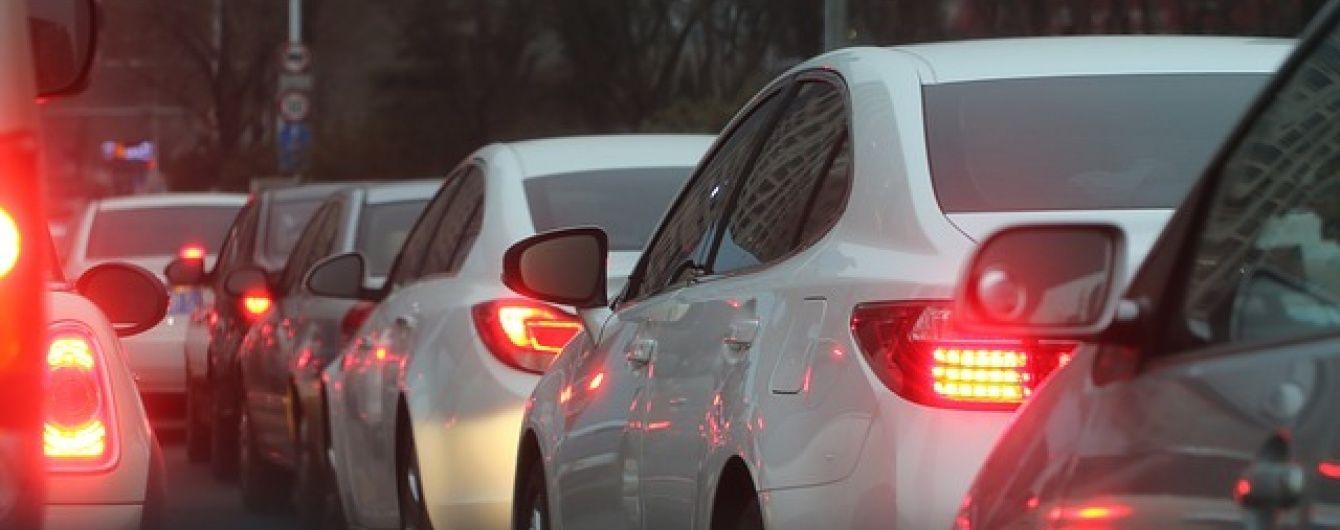"""Поліція Києва закликала водіїв не їхати у центр міста під час """"Маршу рівності"""""""