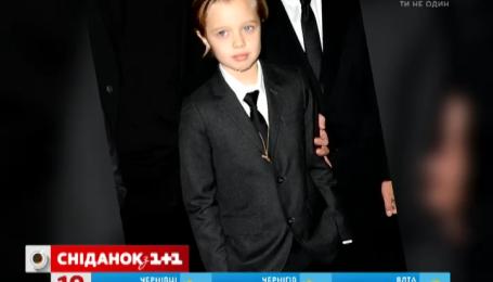 Дочь Анджелины Джоли и Брэда Питта хочет быть мальчиком