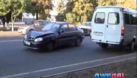 На Мариупольской дороге не разминулись Lanos и Volkswagen Golf