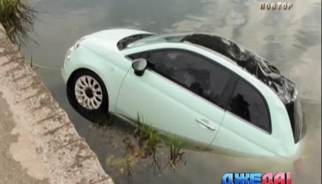 Чудаки в Вильнусе пытались переоборудовать Fiat на лодку