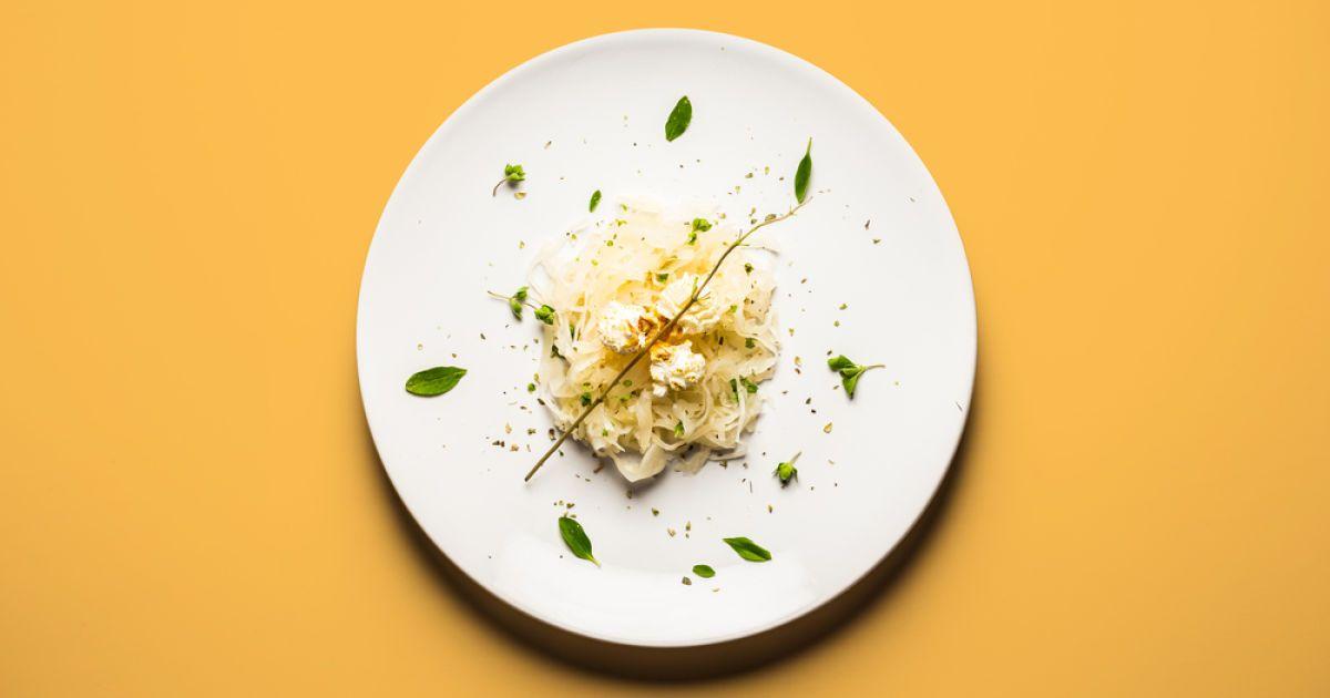 Попкорн із квашеною капустою