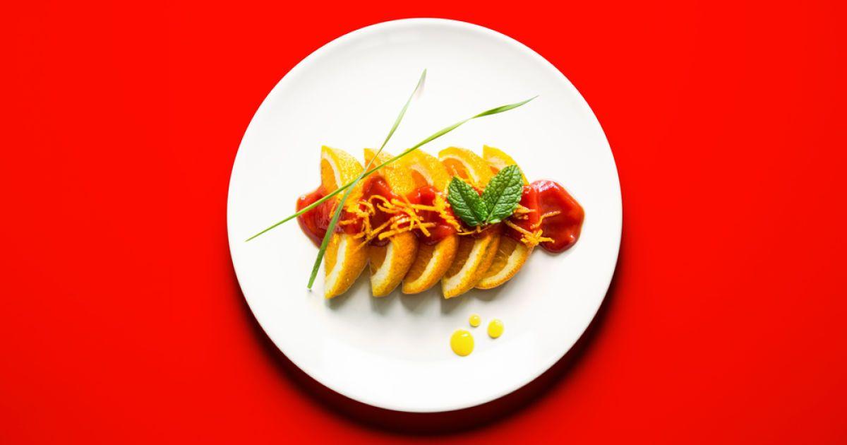Шматочки апельсину у томатному соусі