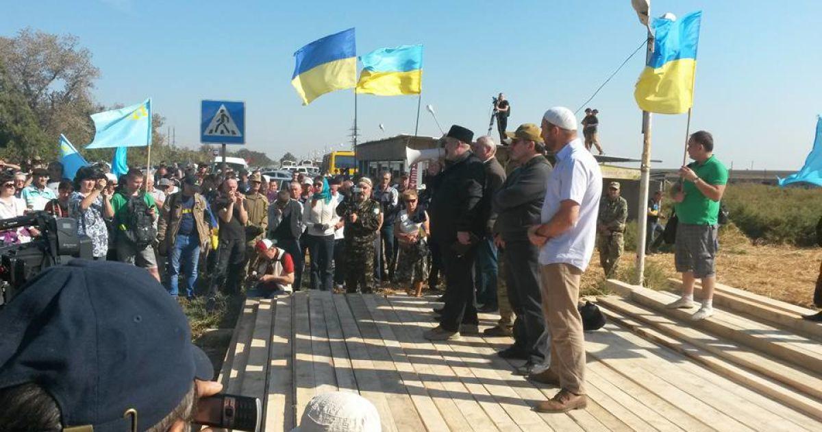 Возле Чонгара началась блокада грузового транспорта в Крым