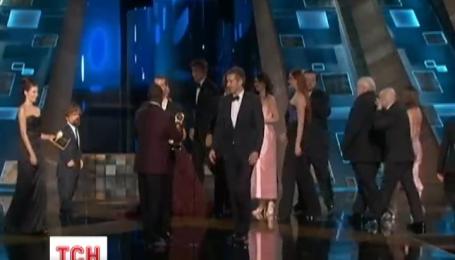 Награждение престижной телевизионной премии Эмми завершилось в США