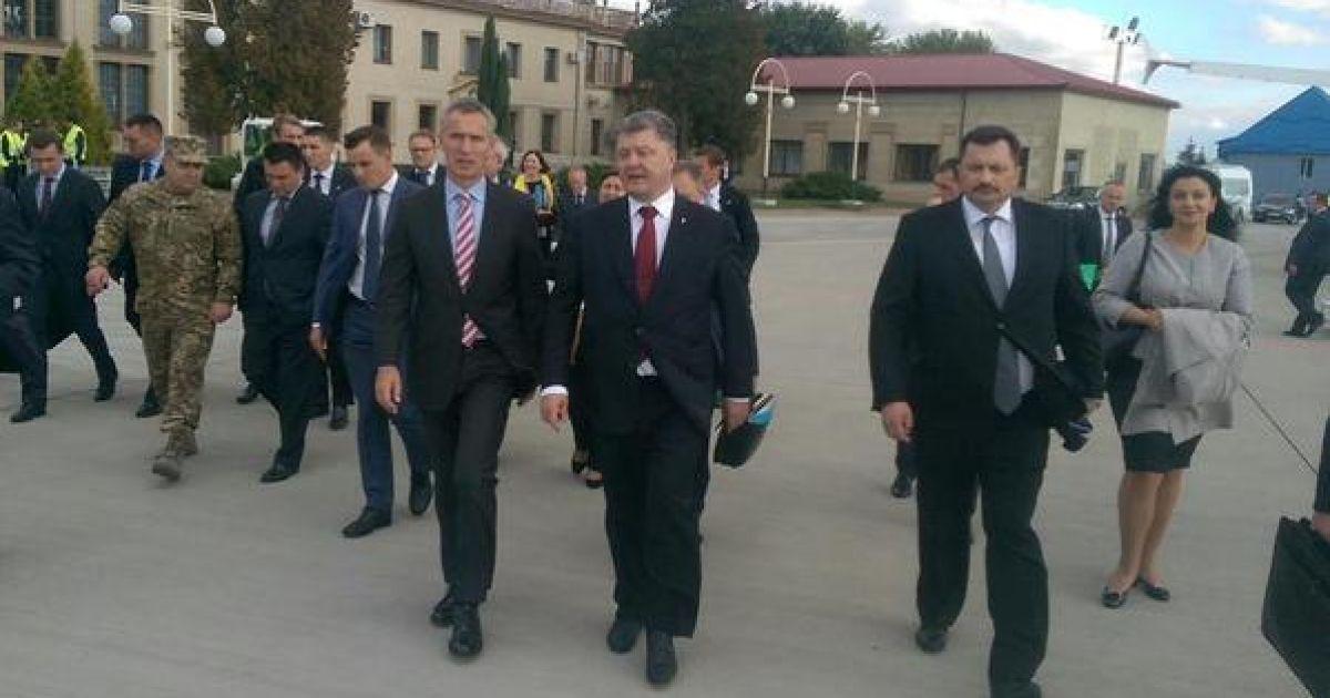 Генсек НАТО прибыл во Львов