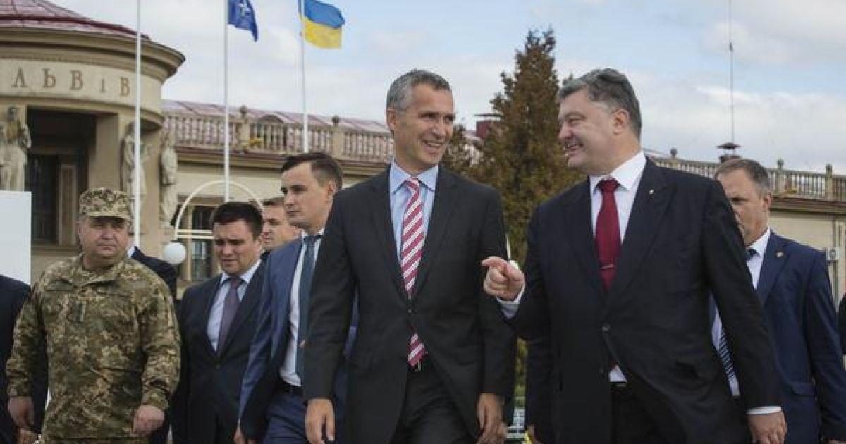 """В НАТО не признают """"фейковые"""" выборы на Донбассе - Столтенберг"""