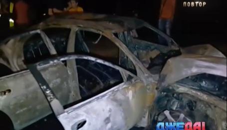 В столице в результате аварии полностью выгорел автомобиль
