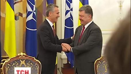 Порошенко пообіцяв проведення референдуму щодо вступу України в НАТО
