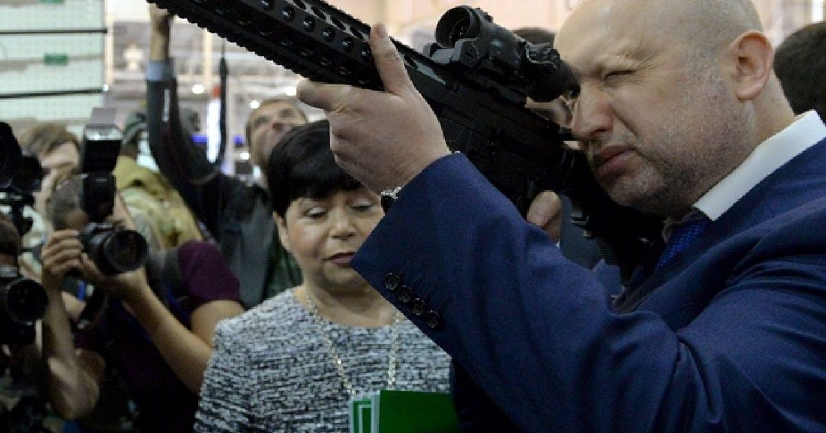 Украина готова восстановить боевые порядки в зоне АТО и перейти в жесткую контратаку - Турчинов