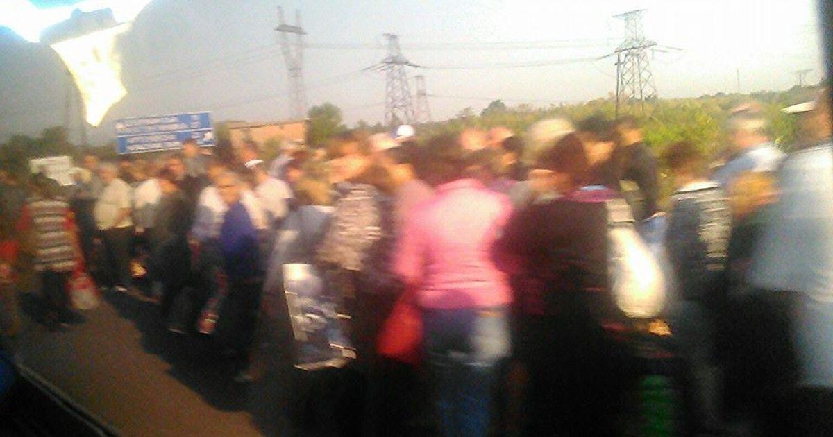 Дехто кидає машини і йде пішки @ Фото із соцмереж
