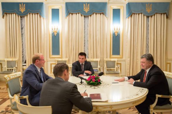 Петро Порошенко та посол України у Канаді Андрій Шевченко